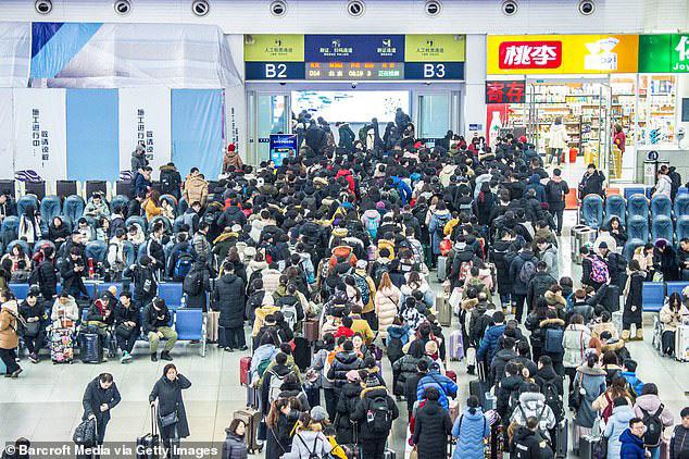 Người Trung Quốc về quê ăn Tết: 3 tỷ chuyến đi trong 40 ngày