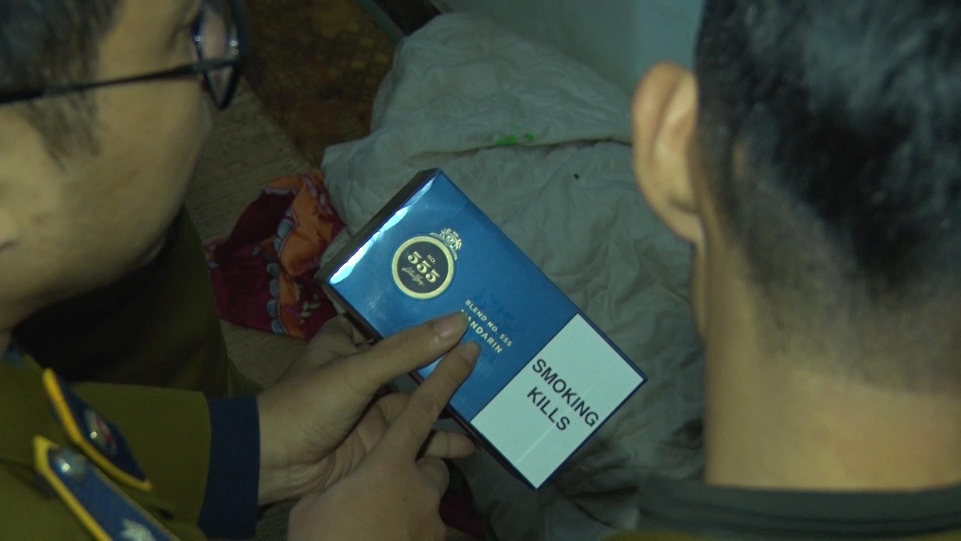15.000 bao thuốc lá lậu trong ngôi nhà ở Hà Nội chờ bung ra đợt Tết