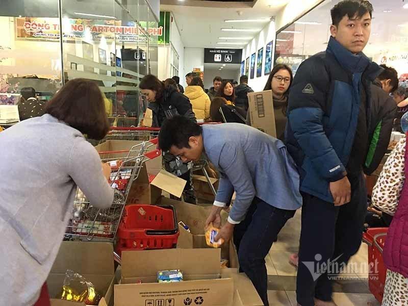 Thứ 7 cuối cùng năm Kỷ Hợi, dân ùn ùn sắm Tết, siêu thị nghẹt thở