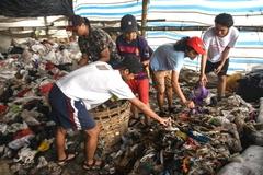 Đưa học sinh đến bãi rác học kỹ năng sống