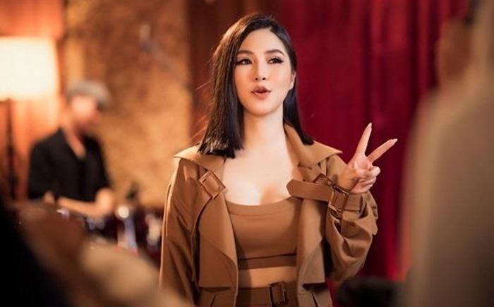Hương Tràm ra mắt dự án đầu tiên sau gần 1 năm sang Mỹ