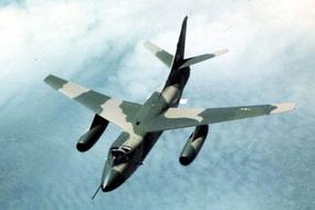 Người dẫn đường trên trời và trận không chiến diệt máy bay tối tân Mỹ