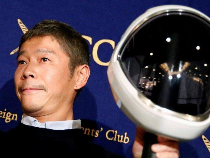 Hơn 20.000 người đăng ký làm bạn gái tỷ phú Nhật để được du hành Mặt trăng