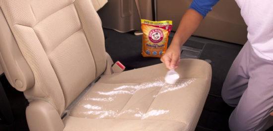 Mẹo vệ sinh nội thất ô tô nhanh gọn để đón Tết tiết kiệm tiền đến garage