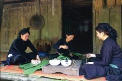 Bánh chưng đen là loại bánh đặc trưng dịp Tết của dân tộc nào?