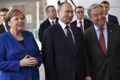 """Châu Âu hoan hỉ, các """"nhân vật chính"""" lạnh nhạt ở hòa đàm Libya"""