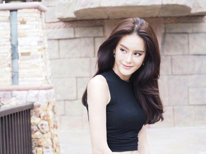 Hoa hậu chuyển giới Thái Lan phẫu thuật trở lại làm đàn ông