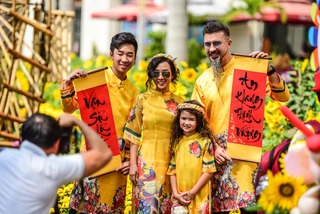 Tết quê rộn ràng ở đường hoa Sài Gòn