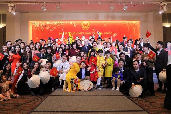 Overseas Vietnamese,Tet,homeland's traditional new year