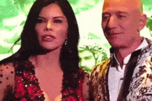 Khoảnh khắc người tình tỷ phú Amazon diễn quá đà trước ống kính với đôi môi biến dạng gây xôn xao cộng đồng mạng