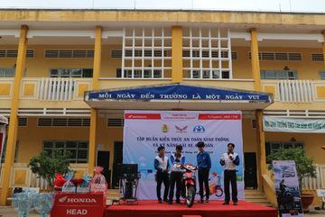 Honda Việt Nam tuyên dương các HEAD xuất sắc về đào tạo lái xe an toàn