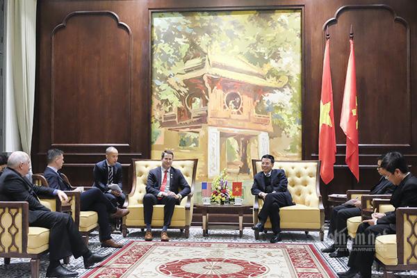 5G,Thử nghiệm 5G,Make in Vietnam,Thiết bị 5G,Bộ TT&TT,Bộ trưởng Nguyễn Mạnh Hùng