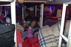 99 người nằm ngồi ken cứng trong xe khách 46 chỗ ở Đồng Nai