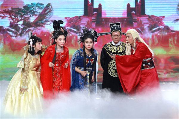 Theatres put on array of dramatic performances during Tet