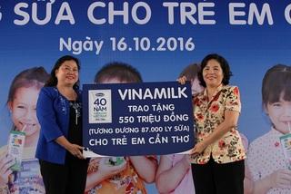 Quỹ sữa Vươn cao Việt Nam - 12 năm, 35 triệu ly sữa cho trẻ em khó khăn