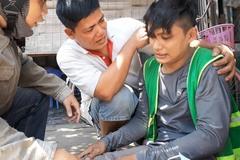 Anh thợ sửa xe đạp 'khùng' cứu trăm người bị nạn, mặc kệ bị dọa đốt nhà