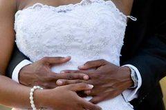 Chồng phát hiện bí mật động trời về vợ sau hai tuần cưới
