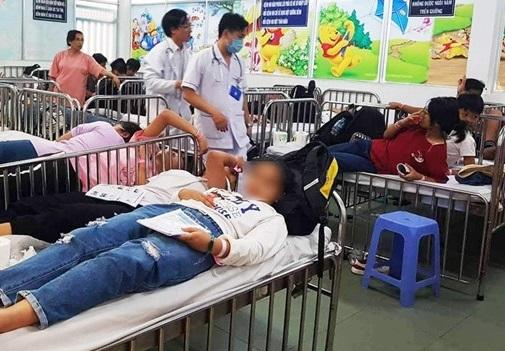 Công ty du lịch làm 90 học sinh ở Tây Ninh ngộ độc bị phạt 10 triệu đồng
