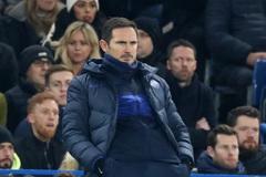Hòa tức tưởi, Lampard mắng học trò té tát