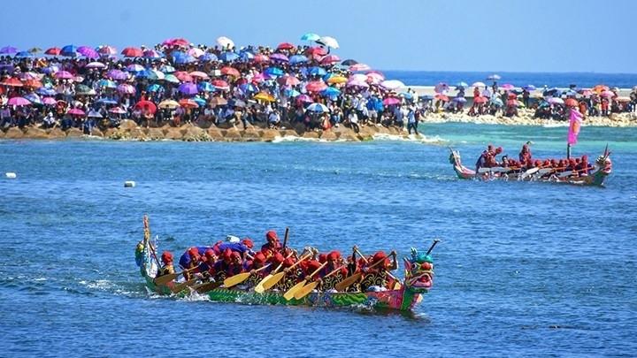 Tu Linh boat race,ly son island,quang ngai