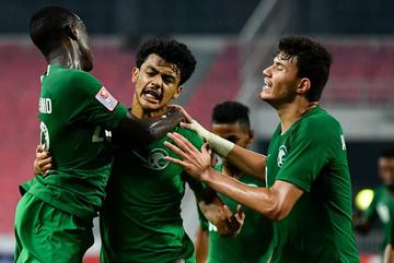 Hạ gục U23 Uzbekistan, U23 Saudi Arabia vào chung kết