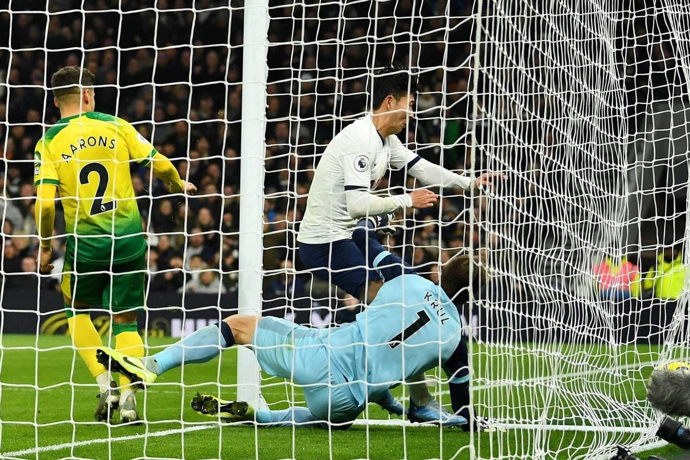 Son Heung-Min rực sáng, Tottenham và Mourinho qua cơn bĩ cực