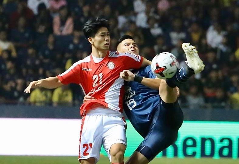Cầu thủ Việt Nam được thưởng Tết: Kẻ phơi phới, người thở dài