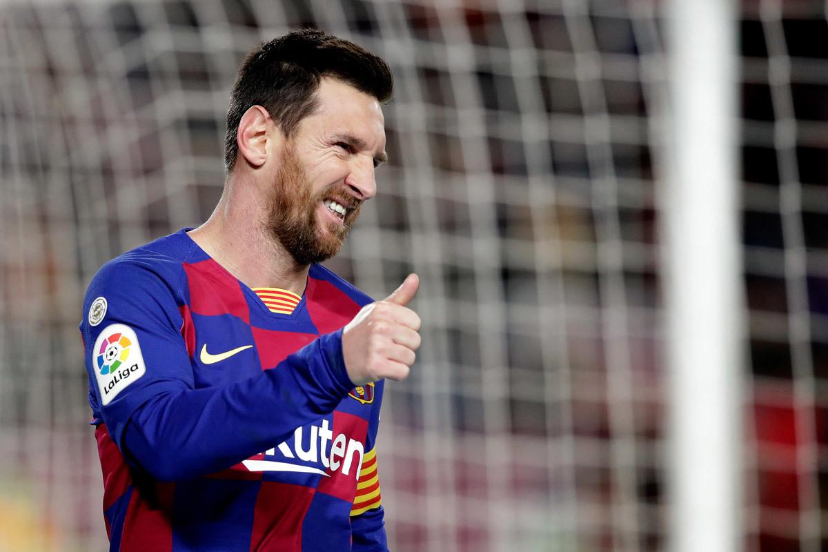 Messi trả nợ Argentina, tìm kỷ lục Quả bóng Vàng