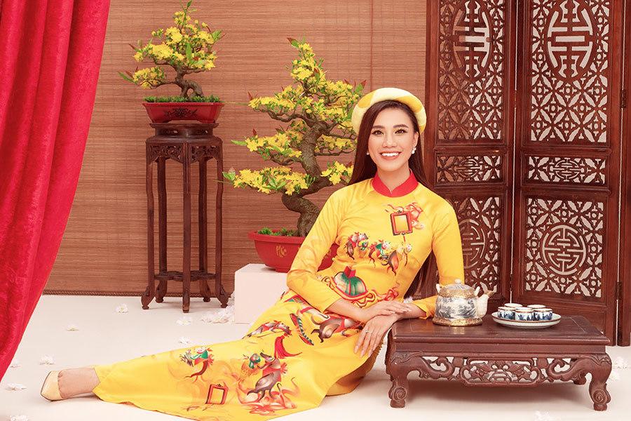 Á hậu Kim Duyên: Tôi hạnh phúc khi bố mẹ bán cơm bình dân