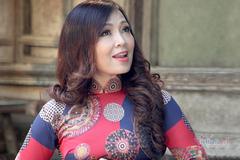 NSND Thái Bảo thực hiện MV 'Thăm bến Nhà Rồng'
