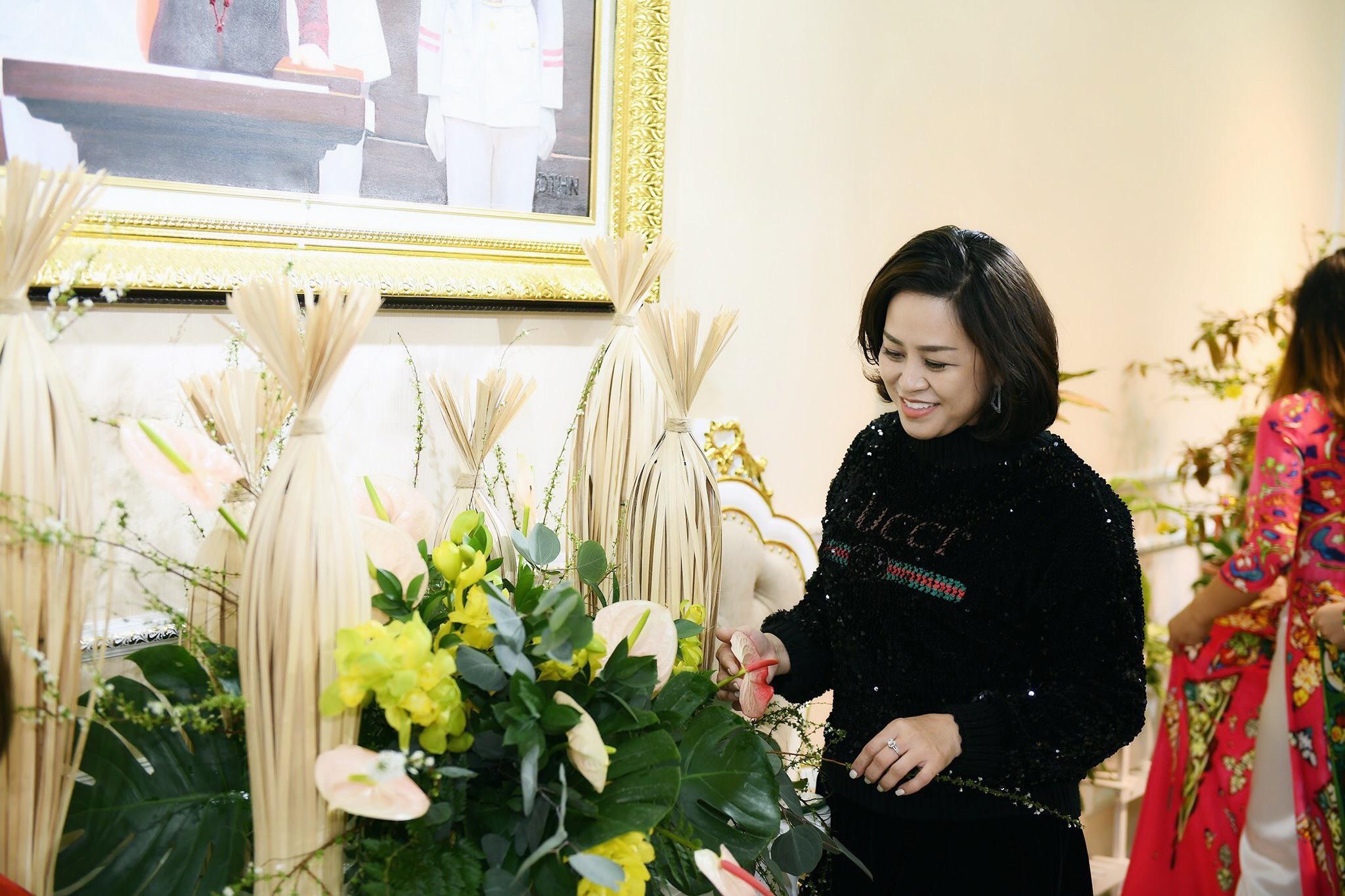 NTK Đỗ Trịnh Hoài Nam tự tay vào bếp, trang trí nhà cửa đón Tết