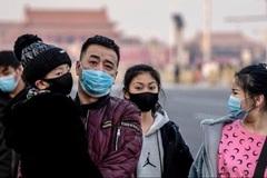 Lo nhiễm virus corona, xuyên Tết tìm mua khẩu trang phòng bệnh