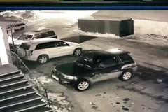 Đạp nhầm chân ga, nữ tài xế đâm liên tiếp vào 2 tòa nhà