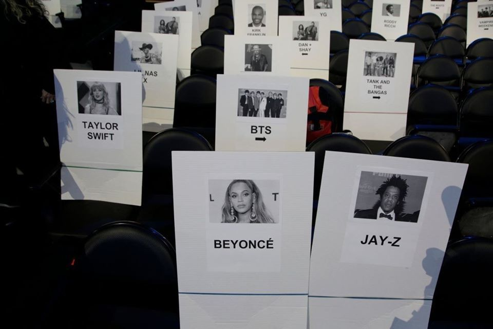 BTS được xếp ngồi ngang hàng với Taylor Swift tại Grammy