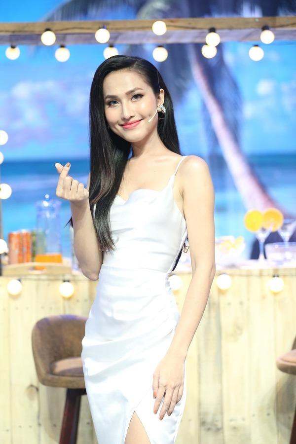 Hoa hậu Chuyển giới Hoài Sa suýt chết trên bàn mổ, bị Trọng Hiếu hút hồn