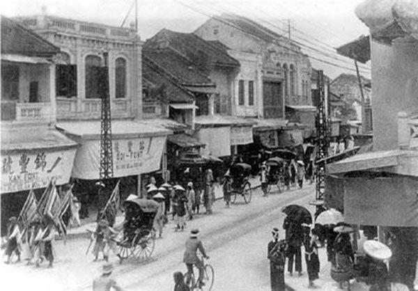 Cả làng lên Hà thành lập chợ buôn bán, dựng khu phố riêng sầm uất