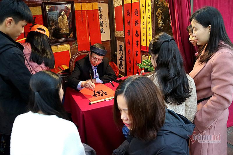 Hơn 50 thầy đồ hội tụ, Tết xưa được tái hiện ở Văn Miếu