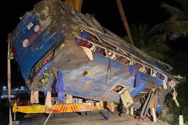 Mùng 2 Tết, 21 người chết do tai nạn giao thông