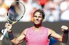 Khuất phục 'cậu bé hư' Kyrgios, Nadal vào tứ kết Úc mở rộng