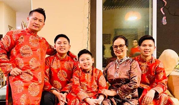 Sao Việt ở hải ngoại vừa đón Tết, vừa đi diễn đầu năm