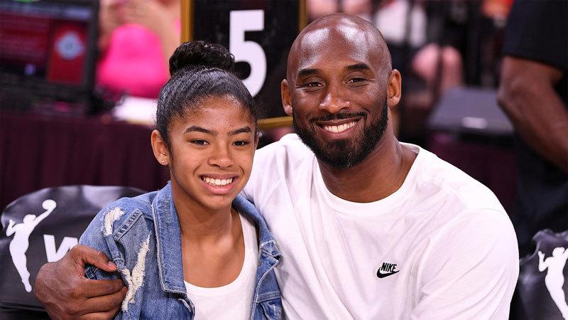 Trực thăng rơi tan tành ở Mỹ, huyền thoại bóng rổ Bryant và 8 người chết