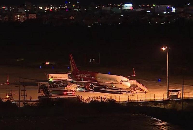 166 du khách Vũ Hán cuối cùng đã lên máy bay rời Đà Nẵng