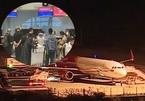 Máy bay đưa 166 du khách Vũ Hán rời Đà Nẵng tối mùng 3 Tết