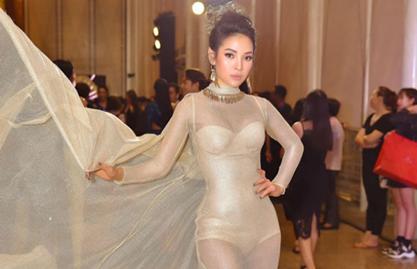 Vợ cũ Hồ Quang Hiếu, Phương Trinh Jolie 'nghiện' mặc đồ mỏng tang xuyên thấu