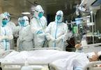 Y tá tại bệnh viện Vũ Hán tiết lộ việc làm đầu tiên khi cởi đồ bảo hộ