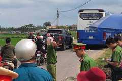Thanh niên đi xe máy bị xe khách cán qua người tử vong