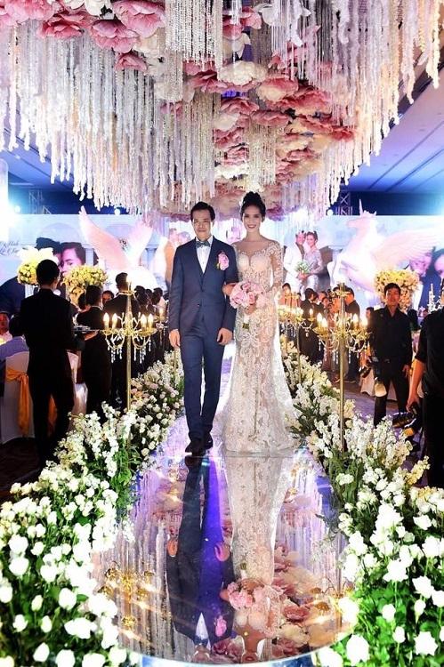 Mỹ nữ Phú Yên lấy đại gia mía đường: 'Tài chính sau khi cưới tôi quản hết'