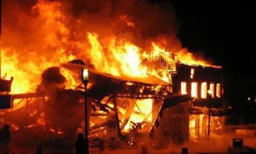 Nghi án đòi quan hệ không được, phóng hoả đốt nhà làm 2 người chết
