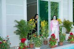 Biệt thự đầy hoa nhà Quách Ngọc Ngoan và Phượng Chanel