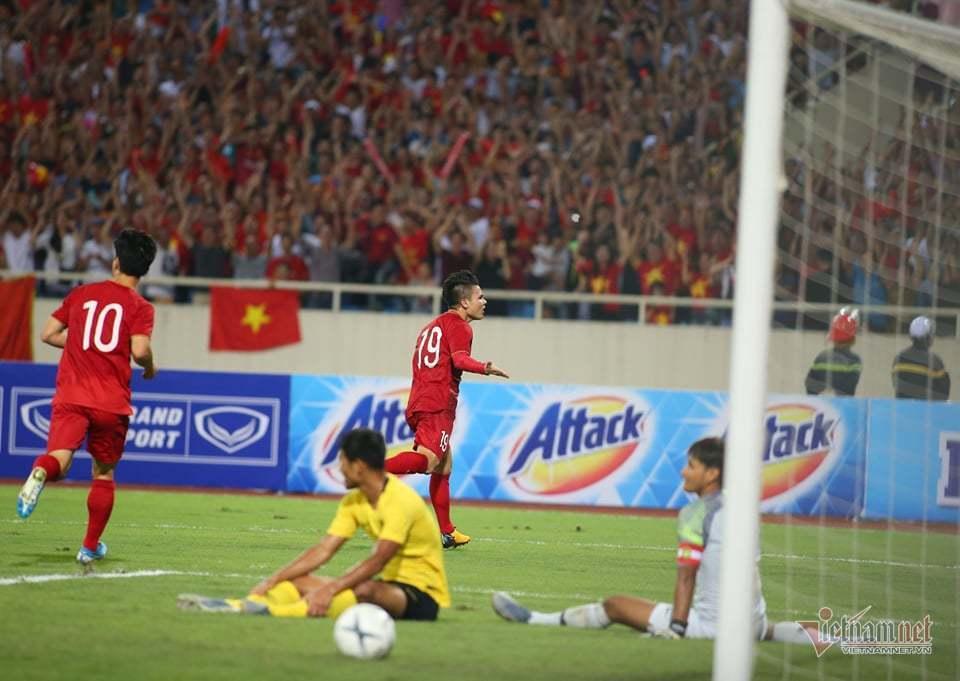 Tuyển Việt Nam bay chuyên cơ đến UAE đá vòng loại World Cup 2022
